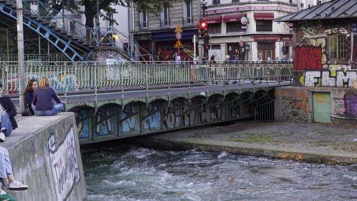 Pont rotatif - Paris mon amour, je te quitte. The-return-to-Salone.com